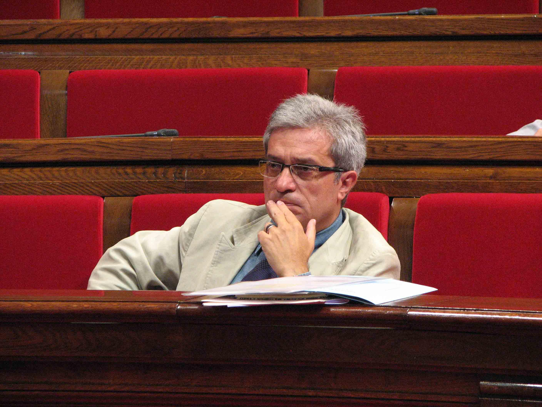 Resposta Del Conseller Saura A 59 Segons De TVE2 Associacions