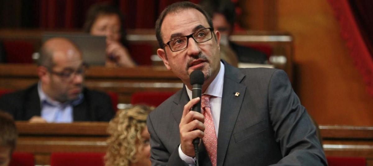 """El conseller d'Interior Ramón Espadaler reconeix al Ple del Parlament un """"element discriminatori, que hi és"""" respecte als mossos/es d'esquadra amb discapacitat"""